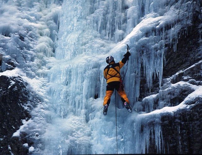 Eisklettern im Naturpark Mürzer Oberland