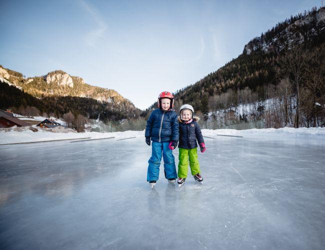 Eislaufen in Mürzsteg (c) nixxipixx.com